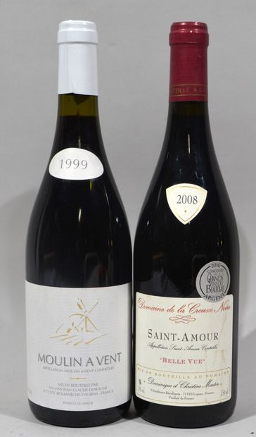 Une bouteille de MOULIN A VENT Jean-Claude DEBEAUNE propriétaire 1999  Une bouteille...