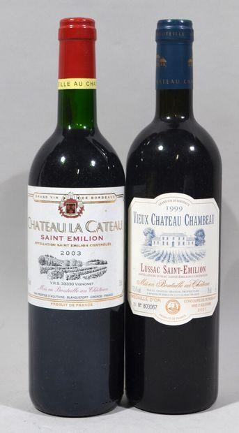 Une bouteille de VIEUX CHATEAU CHAMBEAU Lussac...
