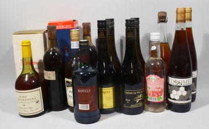 15 bouteilles d'alcools divers dont Bénédictine,...