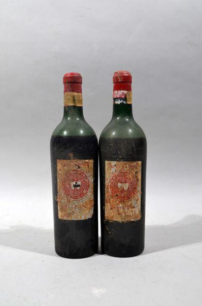 Deux bouteilles de CHATEAU PAVIE Saint Emilion...