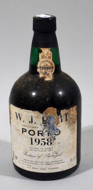 1 bouteille de porto vieux WJ HART 1958 (étiquette...