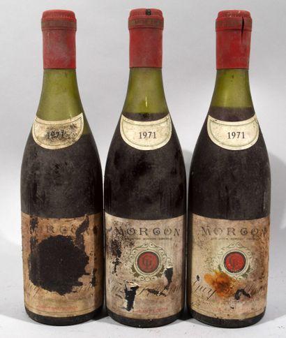 3 bouteilles de MORGON Guy Leblanc 1971 (étiquettes...