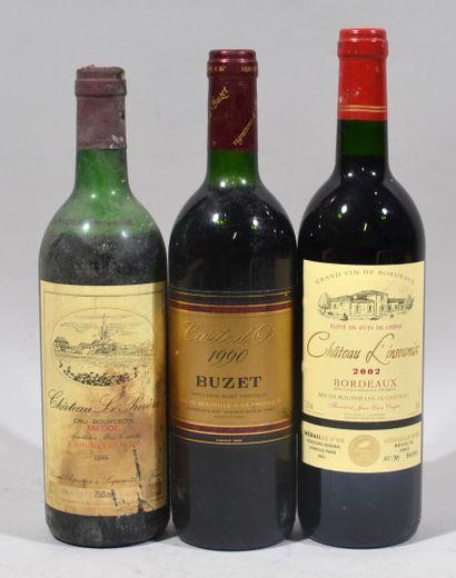 Une bouteille de CHATEAU L'INSOUMISE Bordeaux...