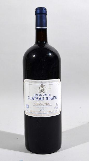 Une bouteille de CHATEAU GUGES Haut Médoc...