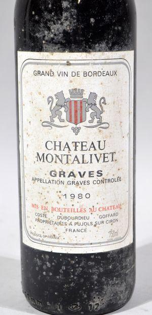 Une bouteille de CHATEAU MONTALIVET Graves Coste Dubourdieu et Goffard propriétaires...