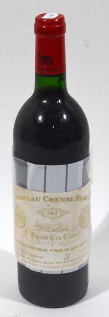 1 bouteille de CHATEAU CHEVAL BLANC 1982...