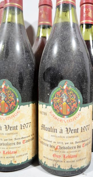 9 bouteilles de MOULIN A VENT Beaujolais...