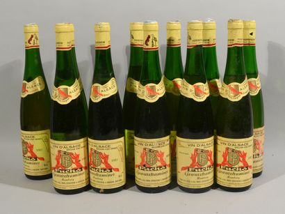 12 bouteilles de Gewurztraminer 1982 Fuchs...