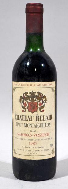 Une bouteille de CHATEAU BELAIR Haut-Montaiguillon St Georges - St Emilion 1985