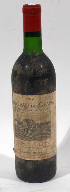 1 bouteille de CHATEAU DU GLANA 1969 Saint...