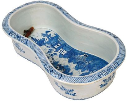 BIDET en porcelaine camaïeu bleu Compagnie...