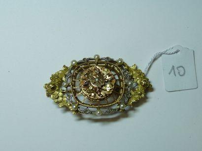 Broche ancienne en or de deux tons à décor...