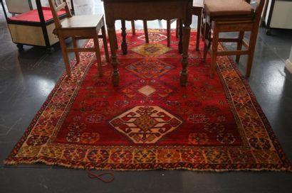 Tapis persan de style Afshar à motifs géométriques...