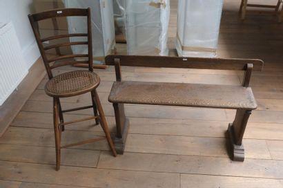 Chaise haute cannée, fin XIXe, bois patiné,...