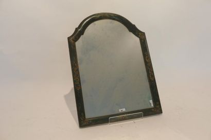 Petit miroir cintré, XXe, bois à décor laqué...