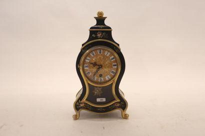 Pendule de cheminée de style Louis XV, XXe,...