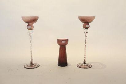 Paire de chandeliers, XXe, verre bicolore...