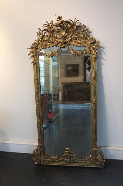 Miroir Rocaille, fin XIXe, bois stuqué et...