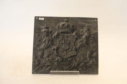 Petite plaque aux armes de Bavière en fonte,...