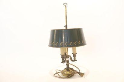 Lampe de table dite bouillotte à trois feux...