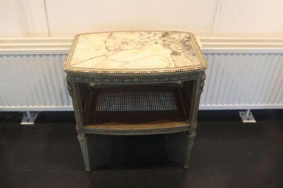 Table de salon de style Louis XVI, abattants...