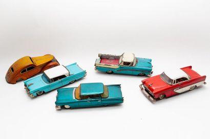 Lot d'automobiles en tôle (l. 29 cm env.),...