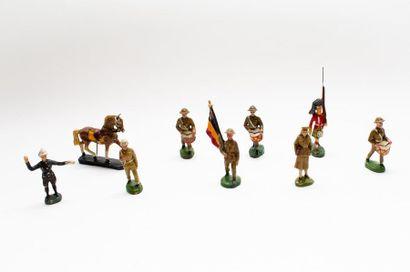 Lot de sujets en composition (soldats), cent...