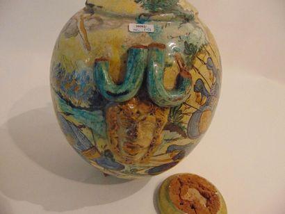 Grand albarello à décor polychrome d'une frise de fruits, XVI-XVIIe, majolique,...