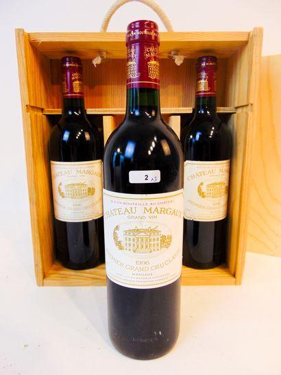 BORDEAUX (MARGAUX) Rouge, Château Margaux, 1er grand cru classé 1996, trois bouteilles...