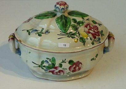 Pot-à-oille à décor floral polychrome, XIXe,...