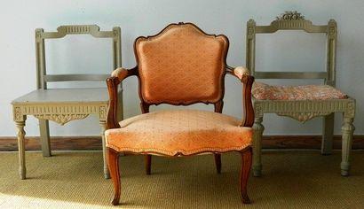 Trois chaises d'enfant, XXe : une de style...