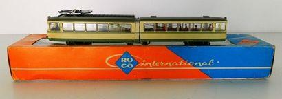 ROCO 8501, tram articulé crème et vert (...
