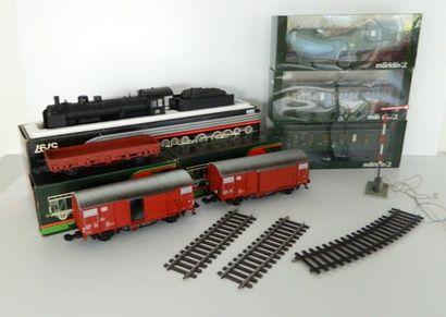 MÄRKLIN I (moderne), très beau train comprenant...