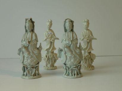 Ensemble de quatre figurines chinoises (deux...