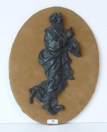 Apôtre de profil en demi ronde-bosse en bronze...