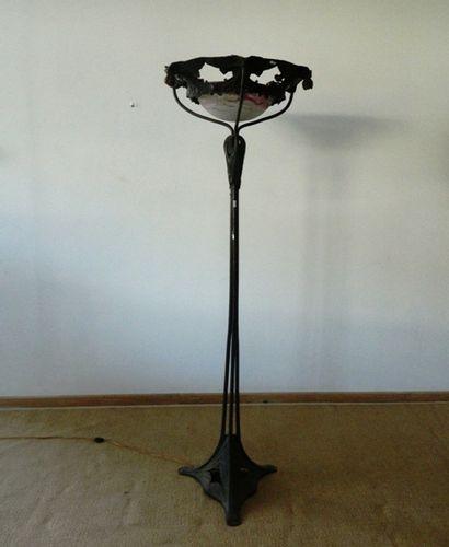 Important lampadaire tripode d'époque Art...