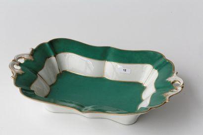 Coupe rectangulaire chantournée, XIXe, porcelaine...