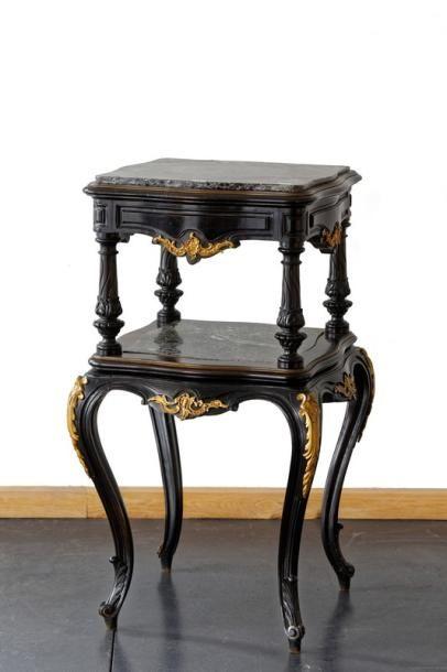 Petite table-desserte carrée d'époque Napoléon...