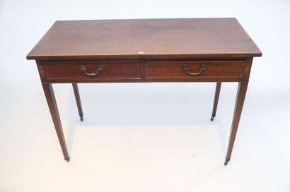 Table-console anglaise ouvrant par deux tiroirs en ceinture, pieds à roulettes,...