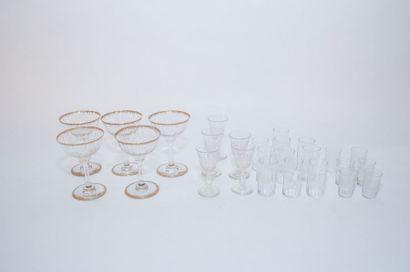 Varia de verres, XIX-XXe, cristal et verre, vingt-six pièces.