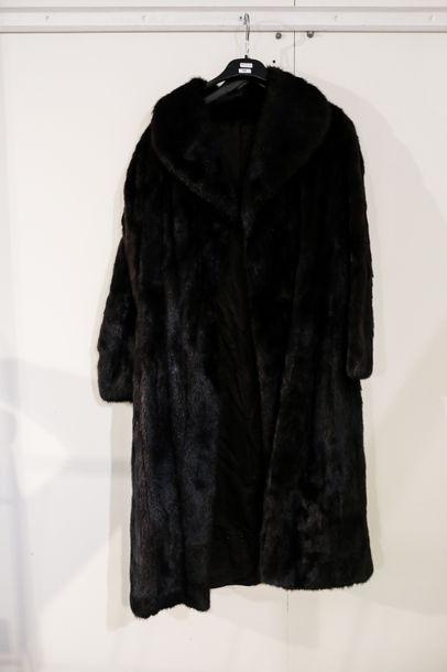 Manteau en vison, griffé [GREENWAX / PAR...