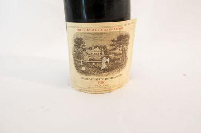 BORDEAUX (PAUILLAC) Rouge, Château Lafite-Rothschild, premier grand cru classé 1986,...