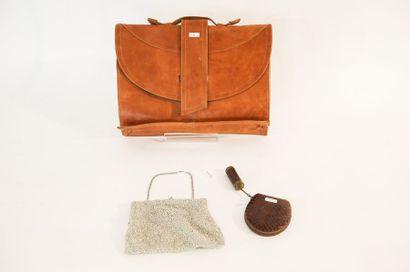 Sac-cartable en cuir, sac de soirée et nécessaire...