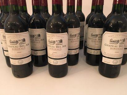 BORDEAUX, rouge, Château Bel-Air 2005, vingt-trois bouteilles [bas-goulot/haut-...