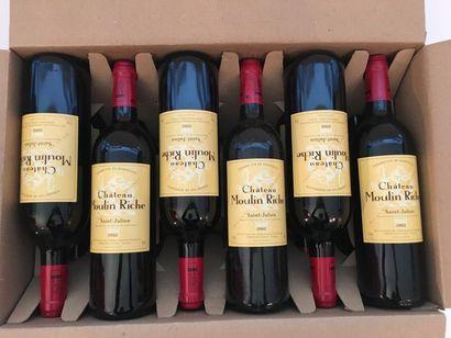 BORDEAUX (SAINT-JULIEN) Rouge, Château Moulin Riche 2002, douze bouteilles dans leur...