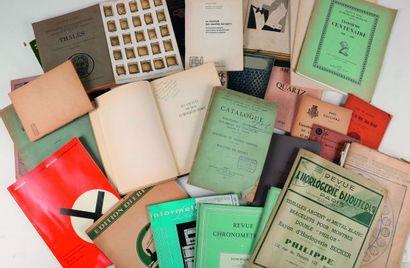 [DOCUMENTATION HORLOGERE]. Lot de livres et plaquettes, revues, catalogues de fabricants,...
