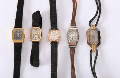 Cinq montres de femmes des années 1930 dont...