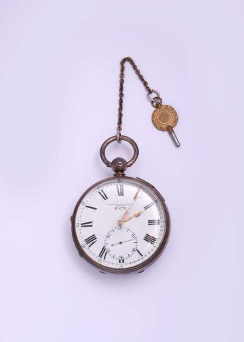 Chronomètre de poche en argent signé (cadran...