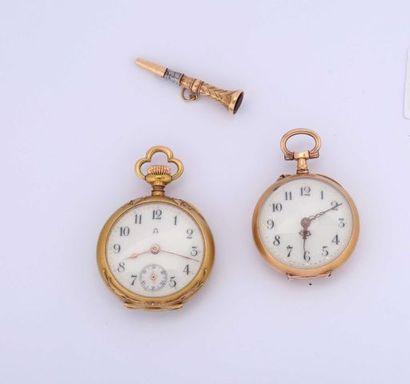 Deux montres de col en or dont une avec le...