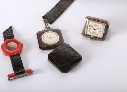 Deux montres de femme pendante dont une en...